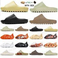 2021 폼 러너 카니 엔 웨스트 샌들 블랙 슬라이드 패션 슬리퍼 여성 Mens Tainers 뼈 디자이너 비치 샌들 슬립 - 온 신발 # 252 H8LP #