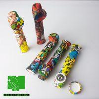 Fumeur Coloré Transfert d'eau Imprimé Tuyau de la main en silicone avec bol en métal et bouchon en silicone DAB Hookah Bongs Hellosmoking