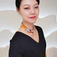 2021 Frühling und Sommer Neue Seide Halskette Anhänger Kleiner Quadrat Schal Magnetische Schnalle Vielseitig Einfach Crepps Satin Geschenkbox