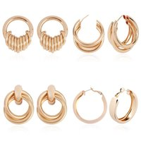 Solememo Design Gold Color Orecchini a cerchio rotondo per le donne Metal Geometric Big Circle Gioielli Bijoux Regali E4390 Huggie