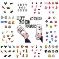 무료 DHL 1000PCS 만화 캐릭터 PVC 고무 신발 매력 신발 액세서리 Clog Jibz 손목 밴드 Croc 단추에 적합 선물로 장식