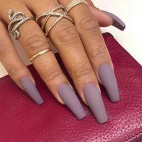 False Nails 24PCS / Box Сплошной цвет длиной с клеем для женщин Матовый балет стиль искусственный пресс на подсказках ногтей маникюр