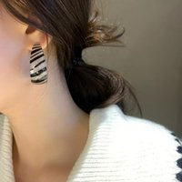 Simple Leopard Print Hoop Earrings for Women Resin Round Circle Striped Simple Earrings Party Wedding 2022 New Fashion Jewelry