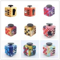 FIDGET 큐브 장난감 CAMO 스트레스 릴리프 짜기 재미 압축 해제 불안 키 체인 지루함주의 마법의 어린이 성인 선물 DHL 무료