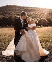 Charming A Line Wedding Gowns Off The Shoulder Neck Custom Made 2021 Plus Size Bridal Dresses Sweep Train Satin robe de mariée