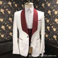 Patrón de Groomsmen Ivory y Borgoña Trajes de novio Smokes Shawal Solapa Hombres 4 piezas de boda Bridegroom (chaqueta + pantalones + corbata + chaleco)