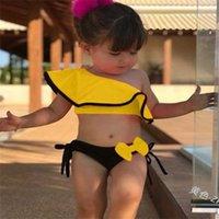 90-130 Boyutları Çocuk Kız İki Parçalı Bikini Set Sevimli Mayo Mayo Flush Eğimli Omuz Dışarı Mahsul Tops ve Yay Şort Tasarımcılar Bikini Beach Kıyafet G58i8wr