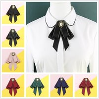Collo legami fashion bowties fiocchi tirano spilla in tessuto pin di cristallo spille corsage farfalla camicetta accessori perno risvolto per le donne