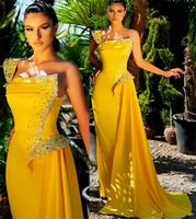 2021 Plus Size Arabic Aso Ebi One Shoulder Yellow Prom Dresses Beaded Crystals Satin Evening Formal Party Second Reception Bridesmaid Gowns Dress ZJ514