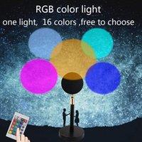 Lampes de table USB RGB Télécommande Rainbow Sunset Sunset Red Projecteur LED Night Sun Sun Shine Shine Lampe de bureau de projection pour chambre à coucher Décoration murale