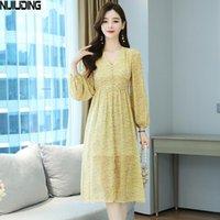Повседневные платья Nijiuding осень желтка платье французская цветочная высокая талия тонкий шифон женский с длинным рукавом V-образным вырезом A-Line женщин
