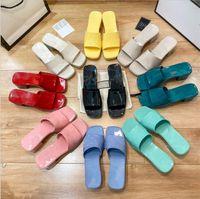 2021 Sommer Frauen Gummi High Heel Slide Sandale 5,5 cm Plattform Slipper Rosa grüne Süßigkeiten Farben Outdoor Beach Folien Hausschuhe Flip Flops
