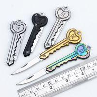 Schlüsselform Mini Klappmesser Outdoor Pocket Obstmesser Multifunktionale Schlüsselanhänger Selbstverteidigung EDC Werkzeuggetriebe YFA2939