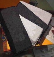 Designer Sjaal Mens Womens Luxe Sjaals Herfst en Winter Warm Outdoor Mode Plaid Sjaals 2 Kleuren Topkwaliteit Optionele Exquisite Geschenkdoos