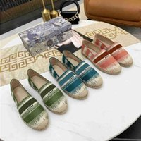 Ayakkabı Kutusu Sandalet Luxurys Rahat 2021 Espadrilles Yarım Boyutu Bayanlar Düz Plaj Yaz Loafer'lar Moda Tasarımcılar Kadın Balıkçı Ayakkabı Can HJVP