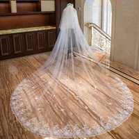 Bridal Veils Two-Layer Lace Wedding Veil With Flowers 4 Meters Long Comb