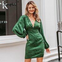 Simple sexy em v-pescoço curto vestido de festa lanterna único breasted A-line mini vestido verde fita senhoras streetwear manga longa vestido 210413