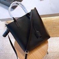 2021 مصمم حقائب الكتف حقائب النساء الفاخرة الصليب الجسم الكلاسيكية إلكتروني نمط حقيبة تسوق الأزياء حقيبة يد عالية الجودة