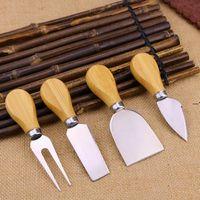4pcs Tools de fromage Ensemble Kit de poignée de chêne Kit de pelle à fourche pour couper les fromages à pâtisserie Ensembles du beurre Pizza Slicer Cutter HHF8616