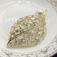 Pins, spille a forma di cucchiaio foglie zircone spilla donna dorata e perla decorazione da sposa decorazione da sposa