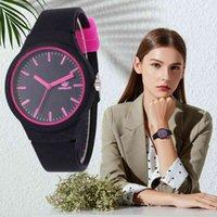 디자이너 럭셔리 브랜드 시계 패션 여성의 ES INS 트렌드 캔디 컬러 손목 실리콘 젤리 Reloj Mujer 시계 선물 여성을위한