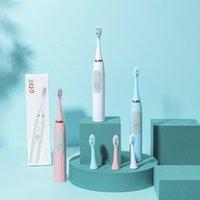 Un singolo spazzolino da denti elettrico Sonic con batteria e un pezzo di capelli morbidi per adulti per uso quotidiano