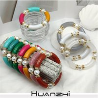 Bangle HUANZHI 2021 Vintage Exaggerate Pearl Beaded Smooth Colorful Acrylic Splicing Round Resin Bracelet For Women Party Jewelry