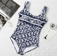 Bikini Bikini Sexy Beach Bikinis Summer Split Swimsuit Swimsuit Moda stampa stampata Square Strappy Siamese Spalato Stile Compampino Swimwear Un pezzo 2021