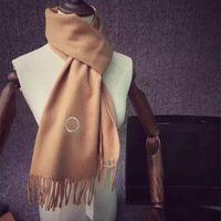 Elegante bufanda de cachemira cálida bufandas de moda diseño simple para hombre mujeres chal cuello largo 4 colores altamente calidad