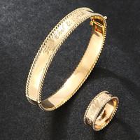 Роскошь с невероятным браслетом кольцевым костюмом медь вкладка циркона темпераментные буквы MR ACT роль ожерелья серьги