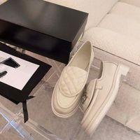 2021NEW الربيع الفاخرة المرأة المتسكعون، نوعية جيدة مصمم أحذية اللباس، مصمم الأزياء المتسكعون حجم 35-40