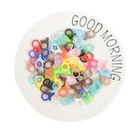 20pcs Colorful Plastic Smoutter Clasps Keychain Split Bague Forme Buckle Snap Crochet pour bijoux DIY Faire accessoires Constatations