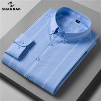 Hommes Casual Shirts Shan Bao 2021 Automne Luxe Luxe de haute qualité Fibre de bambou à rayures à manches longues Banque de mariage