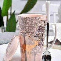 Xinchen Cervos de Natal Caneca Ins Coração Cor-de-rosa Coração Cerâmica Copo Nordic Copo de Café De Café de Água com LID Colher 210409
