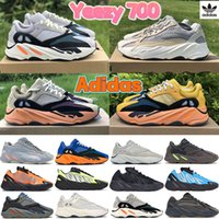 2021 Runner 700 V2 Turuncu Üçlü Siyah Yansıtıcı Koşu Ayakkabıları Katı Gri Layık Karbon Mavi Atalet Kadın Erkek Eğitmenler Sneakers