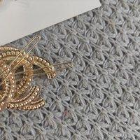 패션 금속 머리 클립 C 클래식 진주 편지 종이 카드가있는 헤어핀 액세서리