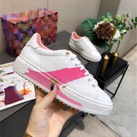 Mulheres luxurys designers sapatos macio rosa branco bezerro couro colorido marca logotipo iniciar assinatura monogramas vintage flores 3-D tempo padrão tempo fora sneaker