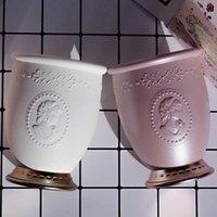 Lesma Laduree Luxury White Pink Soporte de cepillo Queen vacío Cepillos de maquillaje de almacenamiento Copa Organizador para herramientas de belleza