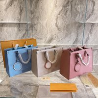 Högkvalitativa kvinnor totes 2021 Lyxig designer mångsidig stor kapacitet handväska Enkla och generösa shoppingkassar