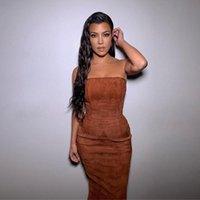 Frauen trägerlosen Wildleder Kleid 2021 Herbst ärmelloser Bodycon Midi-Kleider Sexy Kim-Stil Vestidos Drop Lässig