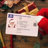 50 stücke Santa Claus Flug Karten Schlitten Reiten Lizenz Baum Ornament Weihnachtsdekoration Altmann Fahrer Lizenz Unterhaltung Requisiten 70922a