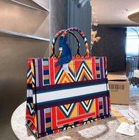 2020 أزياء حقيبة يد جديدة مصمم طباعة التطريز متعدد الألوان كتف واحد حقيبة دلو سعة كبيرة