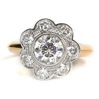Rings Transgems 1.7 CTW CT Lab Выросли моассанит Алмазный цветок Форма свадьба Обручальное кольцо Сплошное 14k Две тональные золотые полосы для женщин