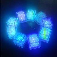 Nattljus Led Ice Cubes Bar Fast Slow Flash Auto Changing Crystal Cube Vatten-Aktiverad Färgrik För Romantiskt Party Bröllop Xmas Present DHL