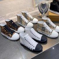 2021 Mens femmes Designer Coton Toile Casual Chaussures Vintage Vérifiez High Bas Beige Beige Baskets Baskets en plein air Taille 35-46 avec encadré 288