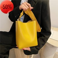 Early summer large capacity small bag women 2021 new Korean wide shoulder strap litchi pattern fashionable one cross Bucket Bag