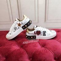 2021 Bayanlar Sneakers En Kaliteli Erkek Deri Rahat Ayakkabılar Platformları Baskı Desen Çift Moda Kişilik Vahşi Spor Ayakkabı