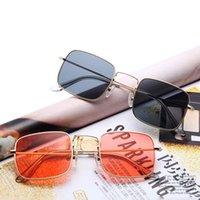 Mode Brille Vintage Frauen Metall Platz Sonnenbrille Gelbe Linsen Luxus Designer Männer Fahren Brillen Dekorationen Für Mädchen
