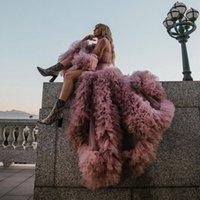 Dusty Pink Frontal Frente Split Ruffles Mangas Tulle Vestidos de Prom Prio Verano Desgaste Chic Tiered Mangas largas Ver Thu Traje Vestido de fiesta para fotos Sesión Vestidos de noche Tulle Sash