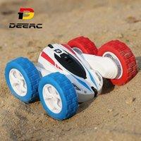 Deerc RC Cars 4WD Off Road Stunt RC 360 Rapid Rotation Drift Car 2.4GHz Carro de Controle Remoto com 2 Baterias 40 Mins Play Time Q0726